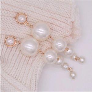 Zara Pearl Earrings